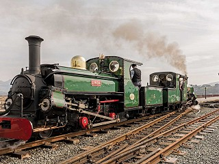 Linda, unusually pointing downhill, leaves Porthmadog with Blanche